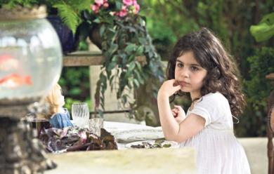 Sophie-Caroline-Grant-est-une-petite-fille-tres-libre-qui-adore-faire-des-betises_pics_390